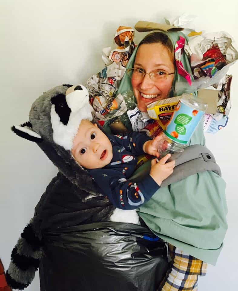 Babywearing Halloween costumes 2016: Raccoon rummaging through the garbage, by Harmony Tanguay