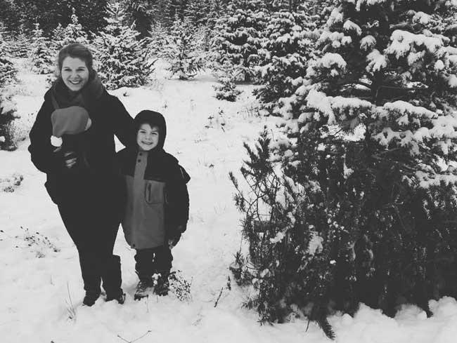 Babywearing in the Snow | Babywearing Christmas tree